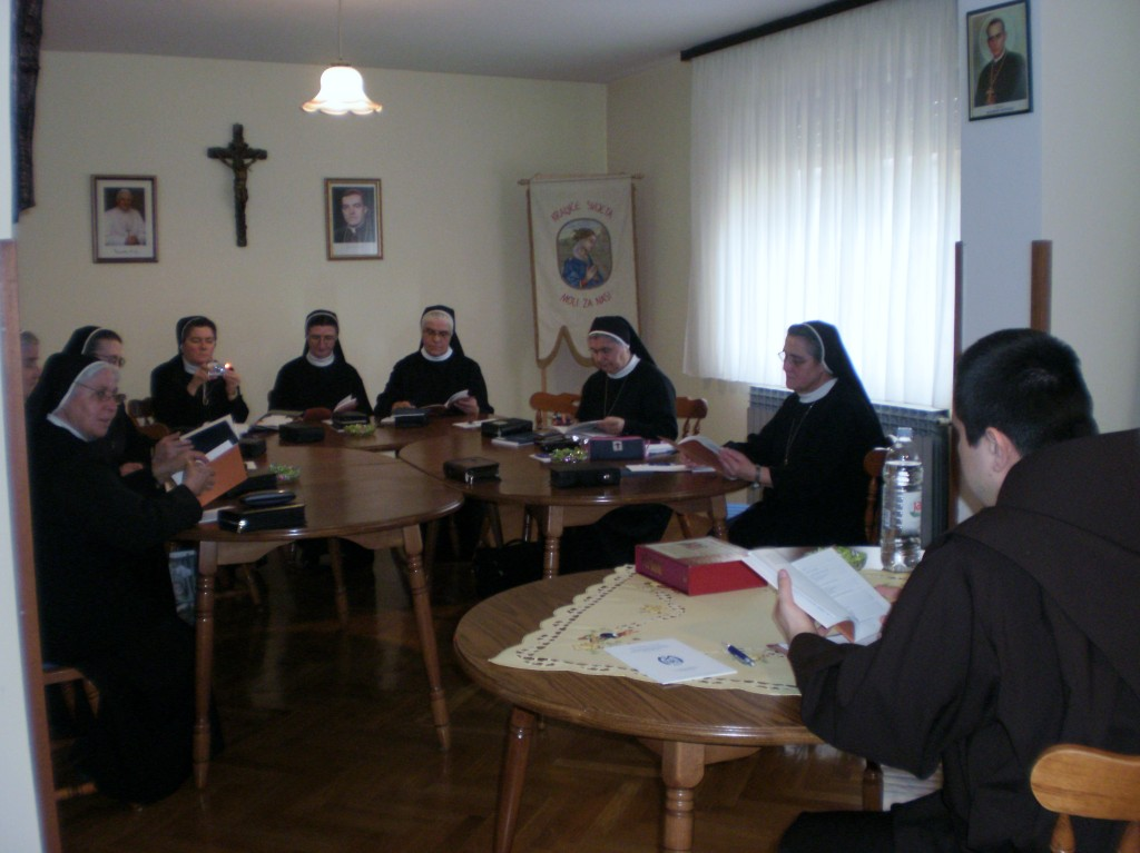 Odgovorne sestre i članice vijeća imale su svoj godišnji susret u Dubravi od 9 -10. 04. 2013.